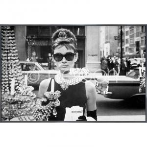 "Gerahmtes Bild ""Audrey Hepburn"" mit Alurahmen Alpha"