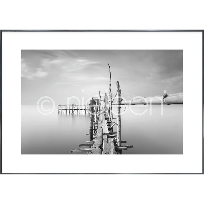 "Gerahmtes Bild ""Malaysian Fishing I"" mit Alurahmen Alpha"