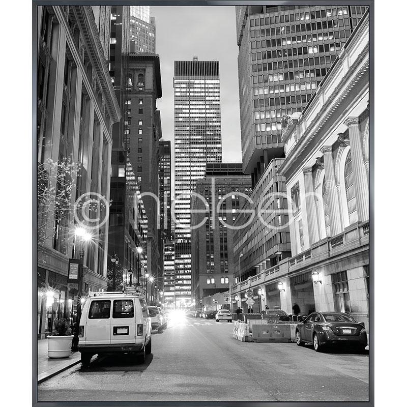 """Gerahmte Kunst """"New York Downtown"""" mit Alurahmen Alpha"""