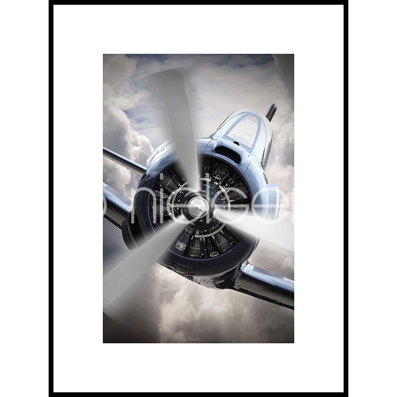 "Gerahmtes Bild ""Airplane Chrome"" mit Alurahmen C2"