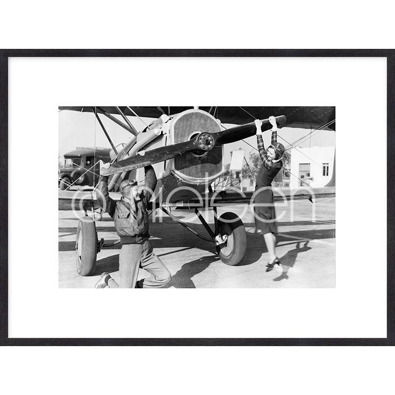 """Gerahmte Kunst """"Historic plane II"""" mit Holzrahmen Quadrum"""