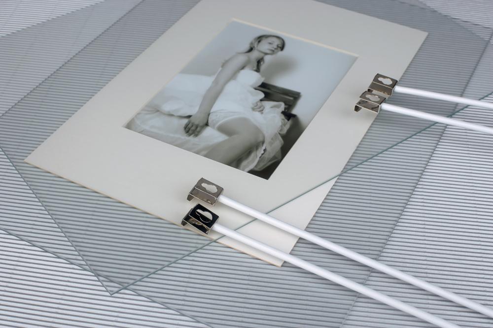Mira Doppelglas-Bildhalter 40x60 (2 Kreuze)   AllesRahmen.de